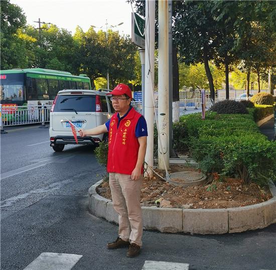 党员带头交通志愿者服务助力景德镇市创建全国文明城市